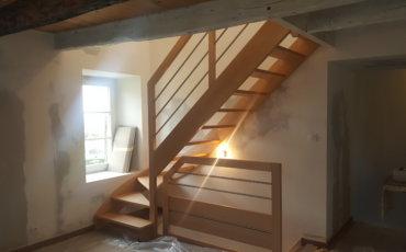 Pose d'une escalier - Artisan Bernard Bindé Beignon