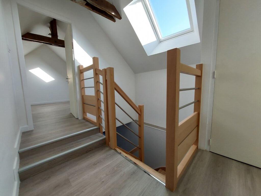 Pose d'un escalier - artisan BERNARD BINDE BEIGNON